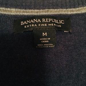 Mint condition Banana Republic merino wool sweater